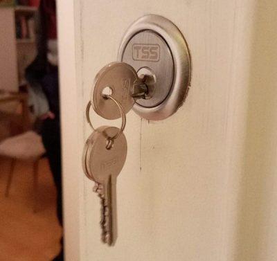 se locksmith emergency services london