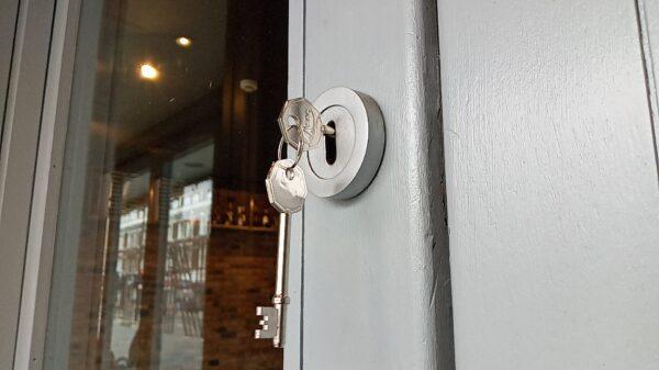 keys jammed door unlock near me